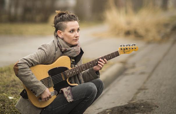 Carly Thomas - Folk Roots Radio Interview