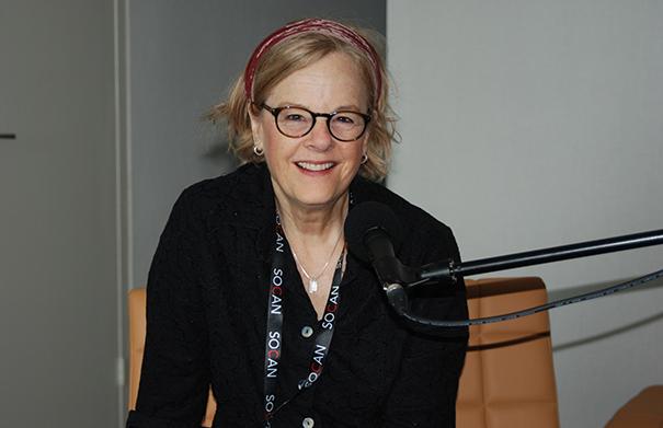 Shari Ulrich - Folk Roots Radio at FMO